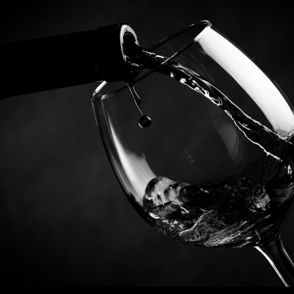 pouring-wine-bw
